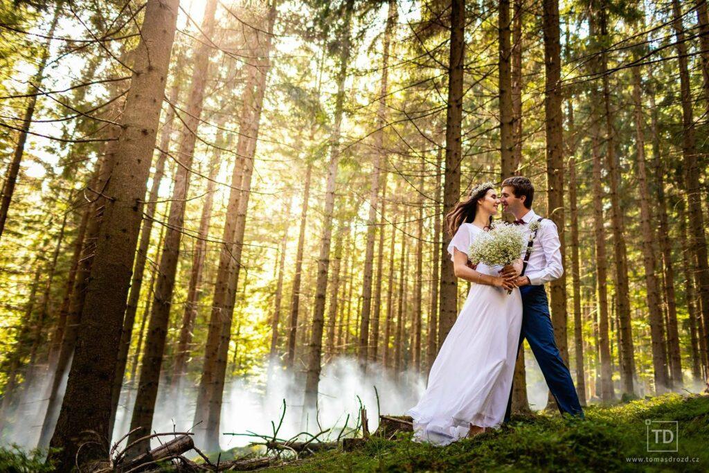 Svatební fotografie Anety a Jirky z boho svatby v Beskydech.